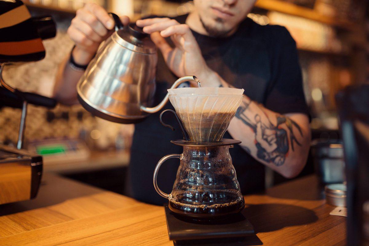 Przerwa na małą czarną, czyli o zbawiennym wpływie kawy na efektywność w pracy